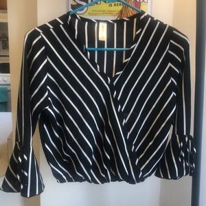 Black and white stripped cropped blouse